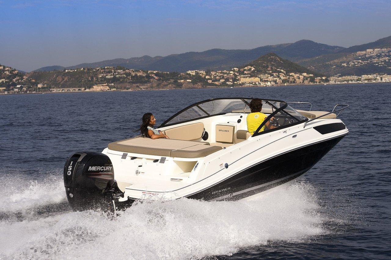 Bayliner VR5 Cuddy OB