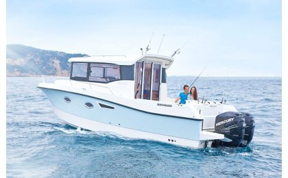 Captur 905 Pilothouse